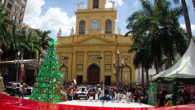 Atac armat într-o catedrală din Brazilia. Cel puțin 5 morți